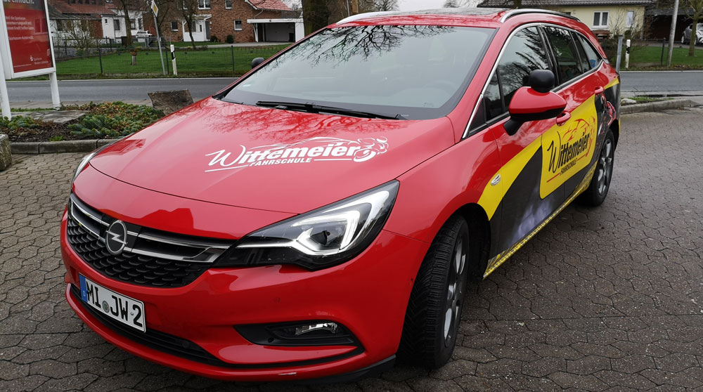Opel-Astra-Sportstourer_schraegvorne
